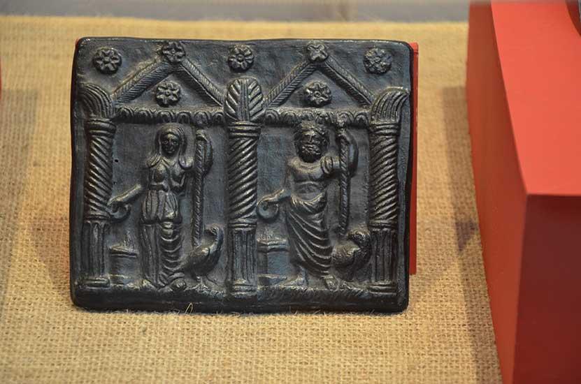 Бронзови Матрици с изображение на Зевс и Хера II-III в.